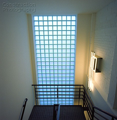 A001 00266 glass brick wall in a staircase construction - Glass bricks designs walls ...