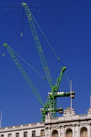 Victorin building and tower crane