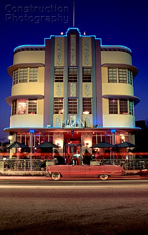 A008 00763 1930 39 s art deco architecture at night depic for Architecture 1930