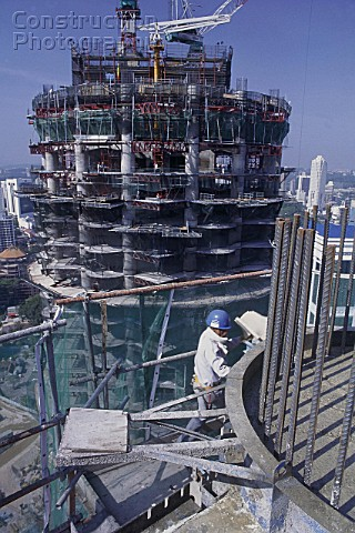 A012 00061 Concrete Work On The Petronas Towers Approx