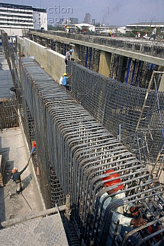 A012-00103: Fixing steel reinforcement for in situ concr - Construction Photography