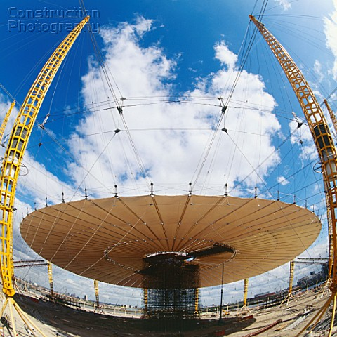 A023 00415 Construction Of Roof Structure Of Millennium