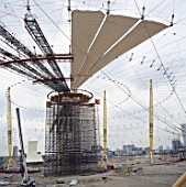 Construction of Millennium Dome roof, Greenwich, London, UK
