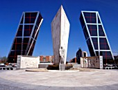 Leaning Towers of Europes Door building, Madrid. Architects John Burgee and Philip Johnson. The Twin Towers are the worlds first leaning high rise buildings. Won first prize Award for Engineering Excellence in 1996
