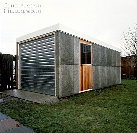 A085 00080 garage constructed with precast concrete blo - Construction garage prefabrique beton ...