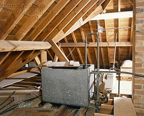 A085-00141: Central heating water tank in loft. - Construction ...