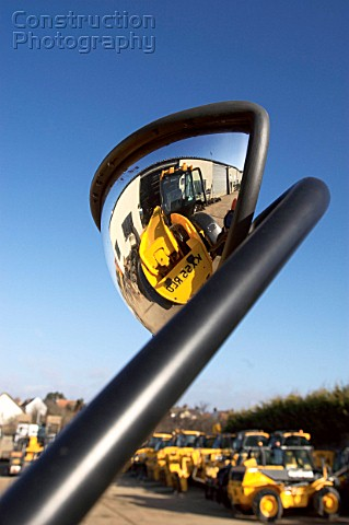 Mirror reflecting forklift
