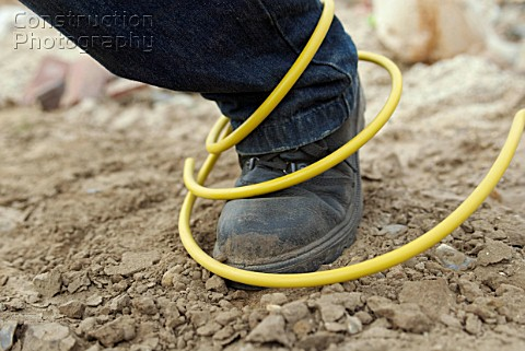 http://www.constructionphotography.com/ImageThumbs/A088-04564/3/A088-04564_Site_hazard_tripping_over_an_electric_cable.jpg