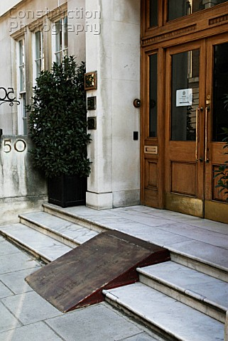 Beau Ramp On Steps To Provide Wheelchair Access
