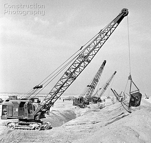 Cranes on the Karakum Canal construction site in the Kara Kum desert Turkmenistan USSR 1983