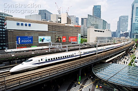 Japanese bullet train passing through central Tokyo after leaving Tokyo Station 2008