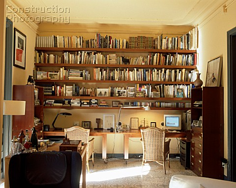a151 02629 view of well stocked bookshelves in a home o rh constructionphotography com home bookshelf speakers home depot book shelves