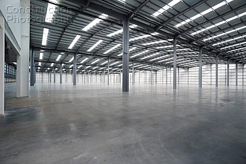 A181 00108 Empty Large Scale Warehouse Space