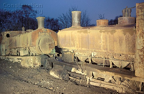 Thomas Muirs scrapyard at Easter Balbeggie Fife with right Grant Richie 040ST No61 works No272 of 18